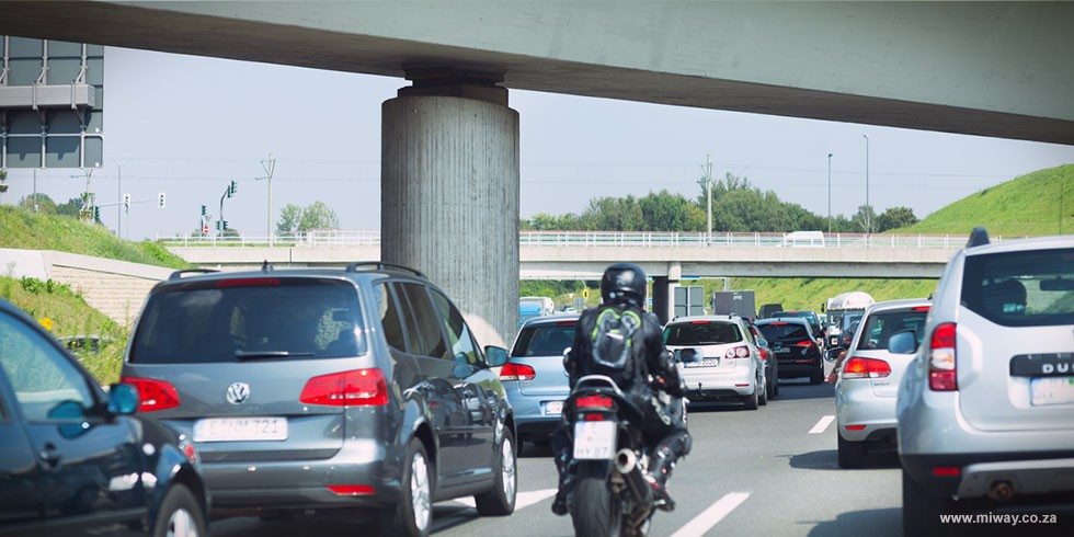 Sharing_the_road_with_motorcyclists_blog.jpg